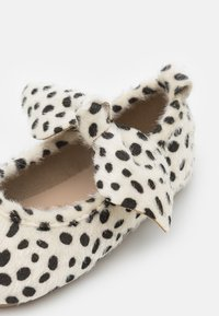 Cotton On - MINI BOW BALLET FLAT - Riemchenballerina - grey/black - 5