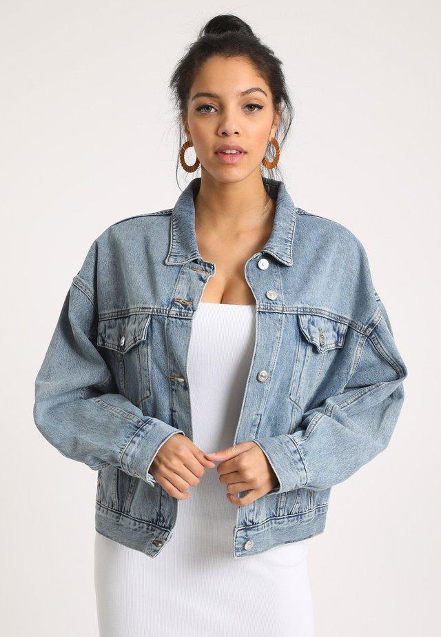 Jeansjacke - ausgewaschenes blau