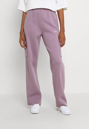 GATY PANTS STONE LILAC WOMEN - Cargo trousers - stone lilac