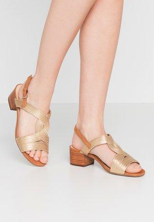 Sandaler - or