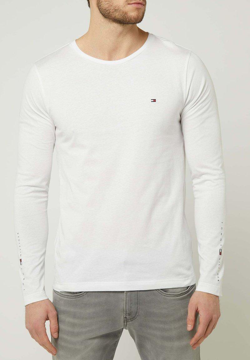 Tommy Hilfiger - LONGSLEEVE - Long sleeved top - weiß