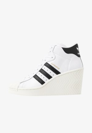 SUPERSTAR ELLURE - Korkeavartiset tennarit - footwear white/core black/offwhite
