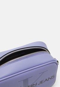 Calvin Klein Jeans - CAMERA BAG - Across body bag - lilac - 2