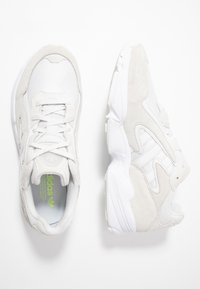 adidas Originals - YUNG-96 CHASM - Trainers - crystal white/footwear white - 1