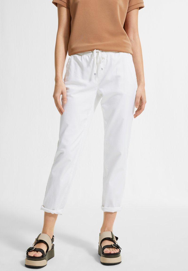 comma casual identity - REGULAR FIT - Tracksuit bottoms - white