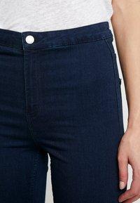 Vero Moda - VMJOY MIX - Jeans Skinny Fit - dark blue denim - 5