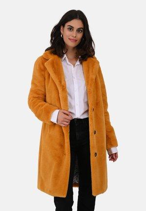 CYBER - Winter coat - yellow