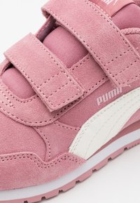 Puma - ST RUNNER  - Trainers - foxglove/whisper white/pale pink/white - 5