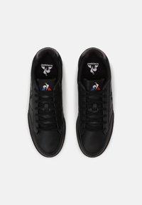 le coq sportif - TOURNAMENT UNISEX - Sneakers laag - triple black - 3