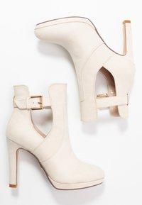 Buffalo - JONA - Kotníková obuv na vysokém podpatku - pastel/beige - 3