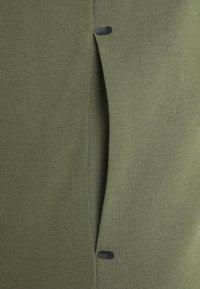 Tommy Hilfiger - MODERN ESSENTIALS ZIP THRU HOODY - Zip-up sweatshirt - utility olive - 2