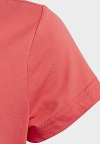 adidas Performance - ESSENTIALS LINEAR T-SHIRT - T-shirt imprimé - pink - 6