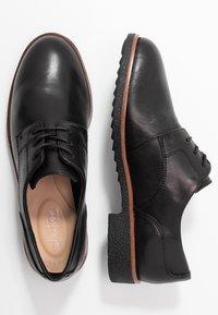 Clarks - GRIFFIN LANE - Zapatos de vestir - black - 3