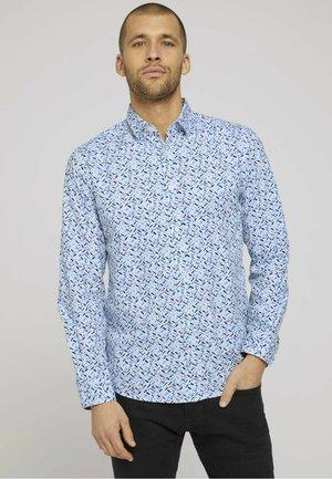 Shirt - white base blue shades design