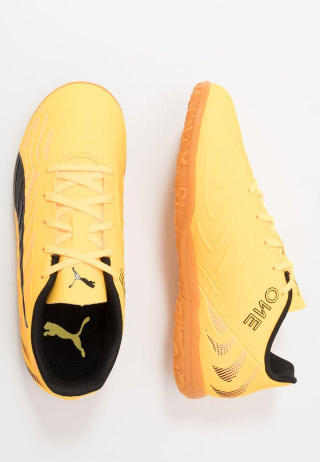 ONE 20.4 IT - Indoor football boots - ultra yellow/black/orange alert