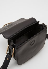 Marc O'Polo - CROSSBODY BAG - Across body bag - black - 2