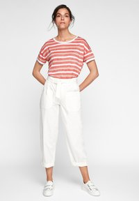 comma casual identity - Print T-shirt - red stripes - 1
