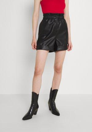 VMKAYLA PAPERBAG  - Shorts - black