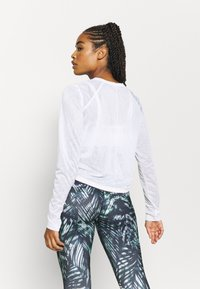 Sweaty Betty - AGILITY WORKOUT - Long sleeved top - white - 2