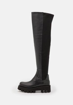 AINA - Platåstøvler - black omega