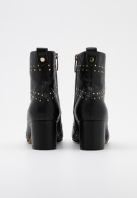 Shoe The Bear - BESS - Classic ankle boots - black - 3