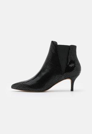 SIENA CHELSEA - Korte laarzen - black