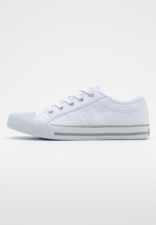 LACE UP - Zapatillas - white