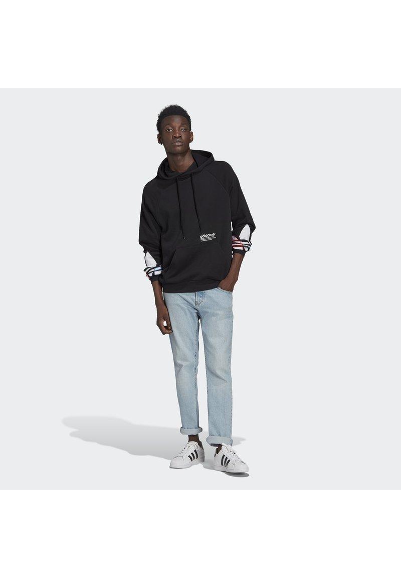 adidas Originals - ADICOLOR TRICOLOR TREFOIL HOODIE UNISEX - Luvtröja - black