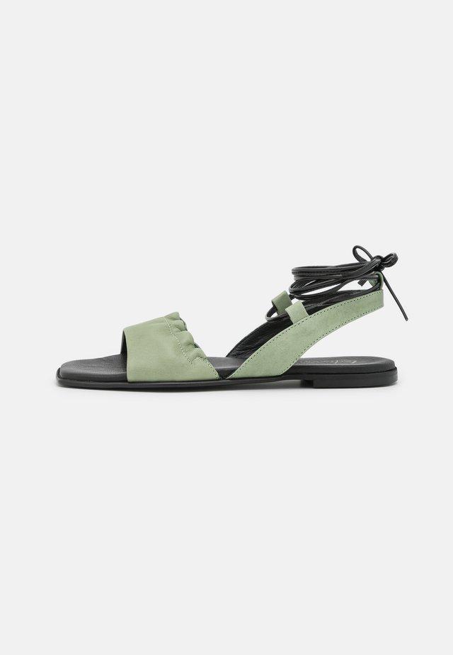 Sandaler - pesto