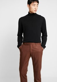 Bertoni - BLOCH TROUSER - Trousers - light brown - 3