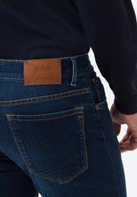 BRAX - STYLE CHUCK - Slim fit jeans - mid blue - 3