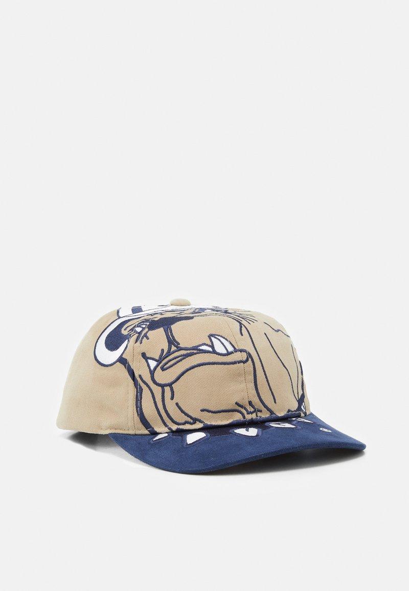 Mitchell & Ness - GEORGETOWN UNIVERSITY NCAA BIG LOGO DEADSTOCK SNAPBACK - Cappellino - light brown/blue