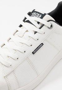 Jack & Jones - JFWBANNA  - Sneakersy niskie - anthracite - 5