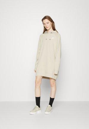 DRESS - Vestido informal - rattan/white
