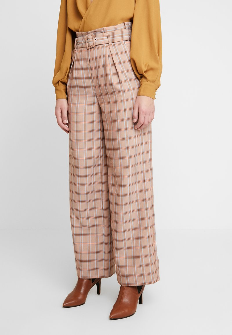 Gestuz - JIN PANTS - Bukse - light brown