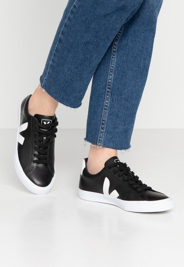 ESPLAR - Trainers - black/white