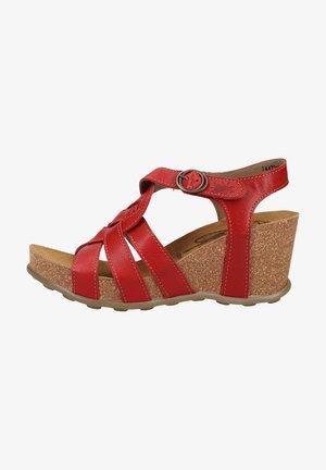 Sandalen met sleehak - lipstick red