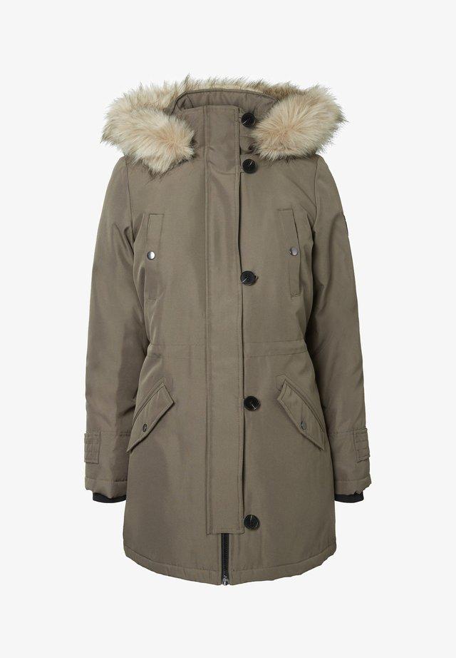 Winter coat - bungee cord