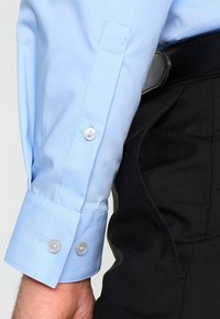 Calvin Klein Tailored - BARI SLIM FIT - Formal shirt - blue - 4