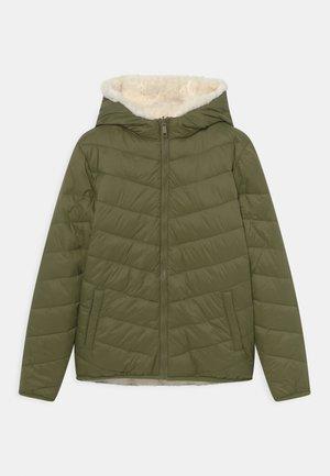 Zimní bunda - oliv