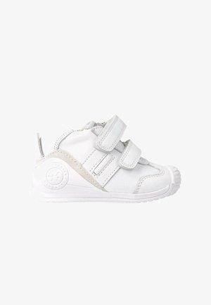 BLANCO SAUVAGE - Zapatillas - white