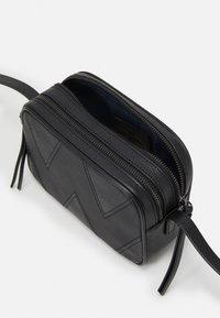 WEEKEND MaxMara - OTTOBRE - Across body bag - black - 4
