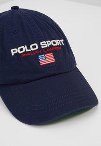 Polo Ralph Lauren - POLO SPORT CLASSIC  - Kšiltovka - newport navy - 6