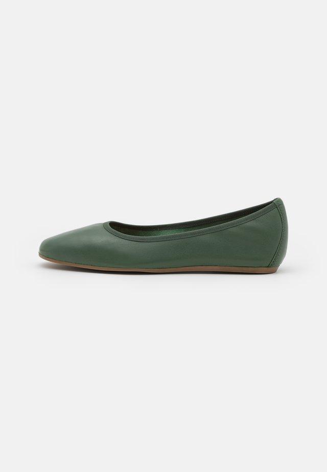 REY FLAT - Bailarinas - green emerald