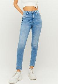 TALLY WEiJL - HIGH WAIST PUSH UP SKINNY JEANS - Jeans Skinny Fit - blu - 0