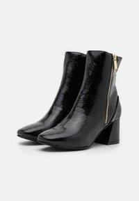 Miss Selfridge - BILLION - Kotníkové boty - black - 2