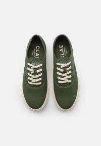 Clae - AUGUST - Sneakersy niskie - bronze green - 3
