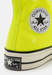 Converse - CHUCK TAYLOR ALL STAR 70 UNISEX - High-top trainers - lemon/egret/black - 5