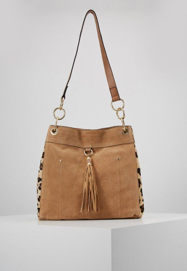 TAN TAYLOR - Käsilaukku - camel