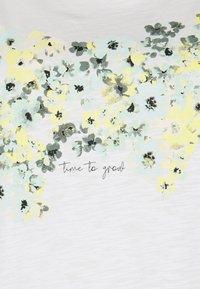 MY TRUE ME TOM TAILOR - FRONT ARTWORK - Print T-shirt - whisper white - 2